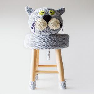 makuka - háčkovaná taburetka mačka Líza